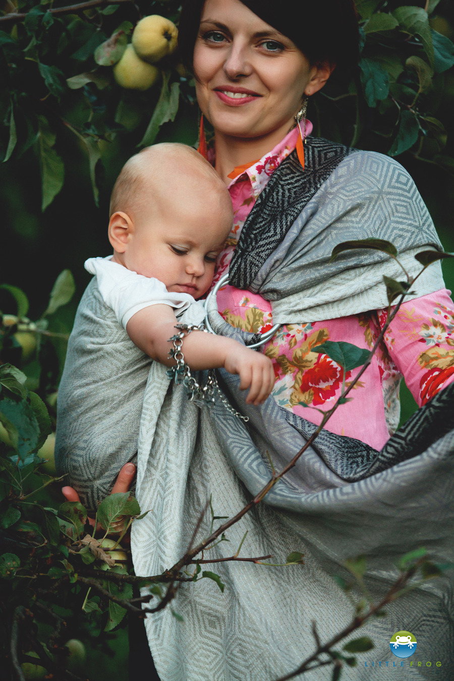 6a26dbd2356 LITTLE FROG JACQUARD RING SLING - LINEN MONOCHROME CUBE -size M Click to  zoom ...